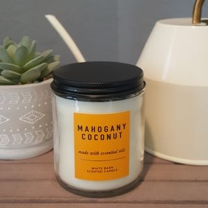 White Barn Mahogany Single Wick Candle